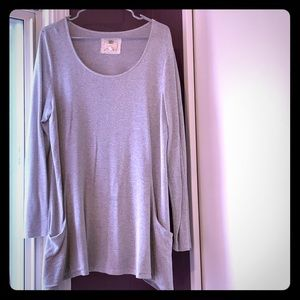 Grey long sleeve with pockets